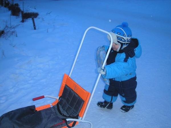 Санки-коляска дэми с конвертом зимой санки - вещь незаменимая