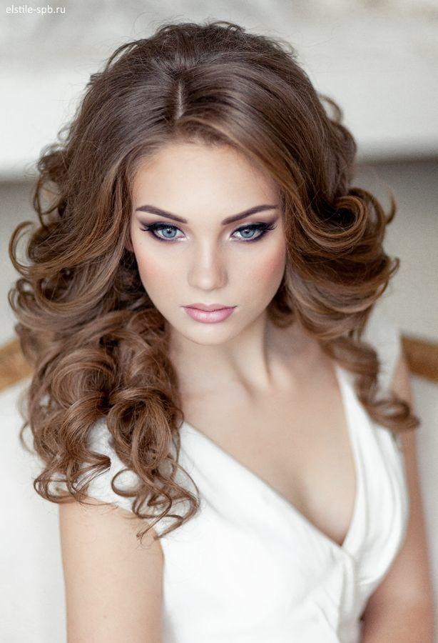 Прическа на длинные волосы локоны от лица