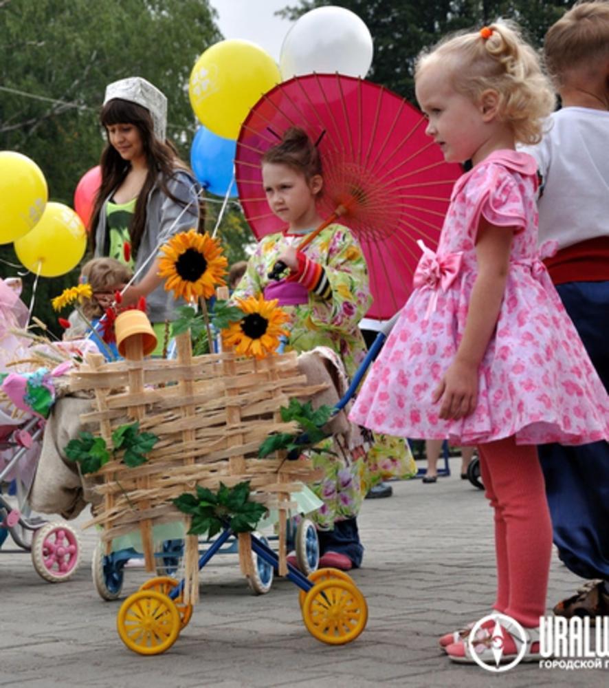 Парад колясок фото оригинальные в украине