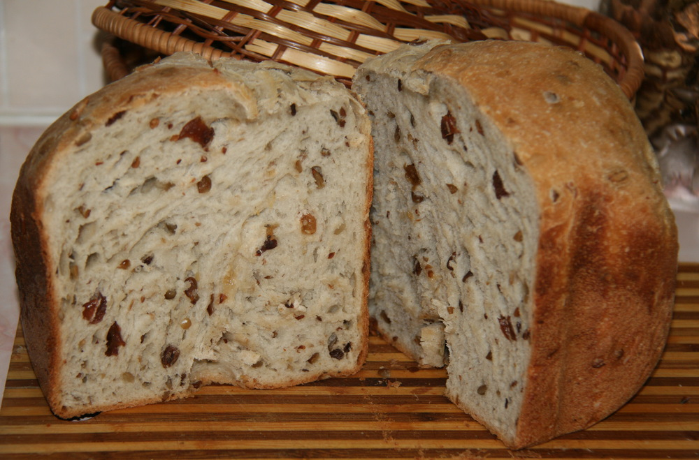 Готовьте на здоровье, пусть в вашем доме всегда витает запах тепла и уюта — запах свежего домашнего хлеба!