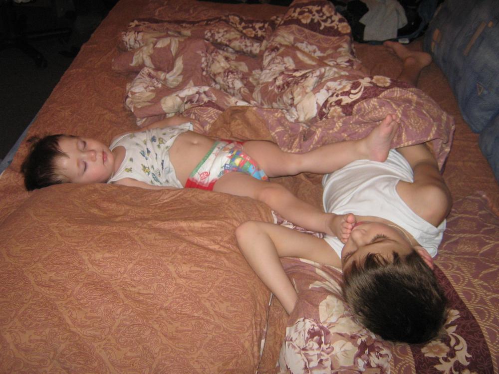 трахнул спящую пьяную бабу - 3