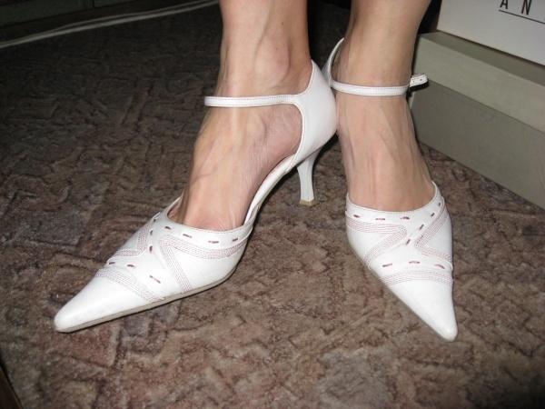 Туфли с узким носом фото