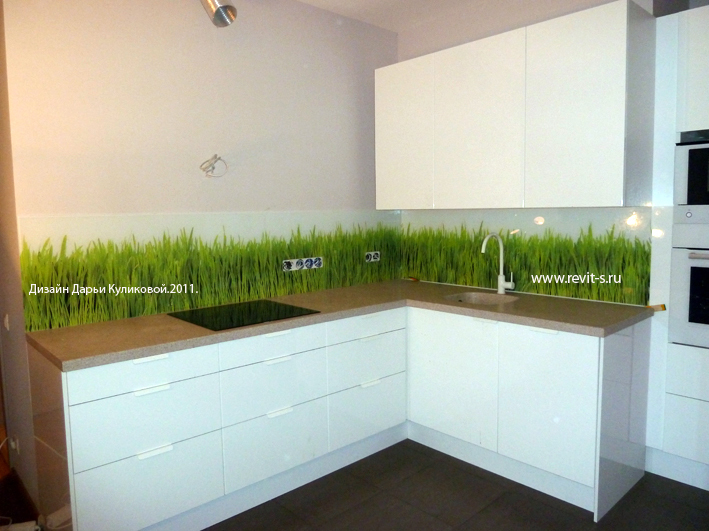 Зеленый рисунок на белом стекле белая кухня