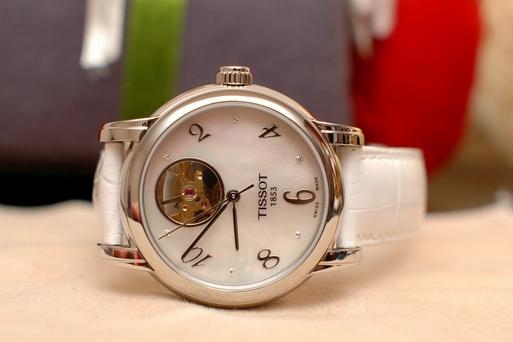 Часы TISSOT - наручные мужские и женские часы - купить по