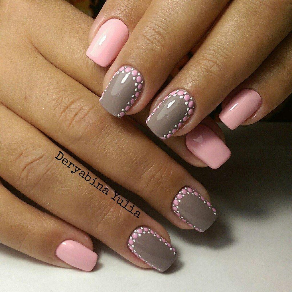 Фото розово серого маникюра