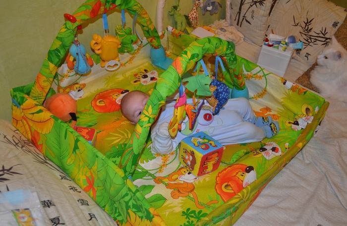 Как сшить развивающий коврик для новорожденных