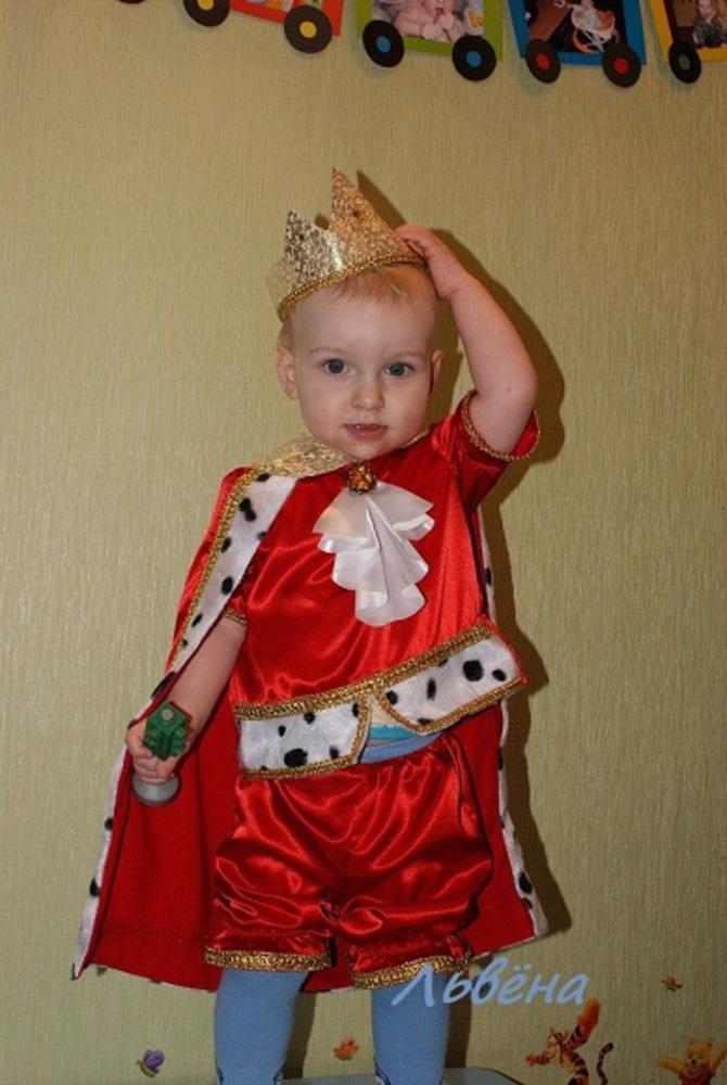Новогодний костюм короля для мальчика своими руками фото